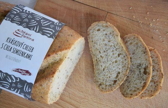 Kváskový chlieb s chia semienkami
