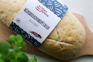 Nízkobielkovinový chlieb biely