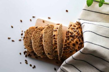 Chlieb so slnečnicovými semienkami