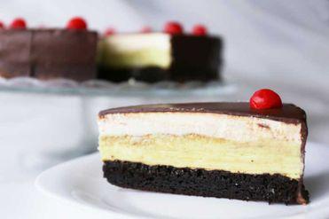Smotanovo - pistáciová torta
